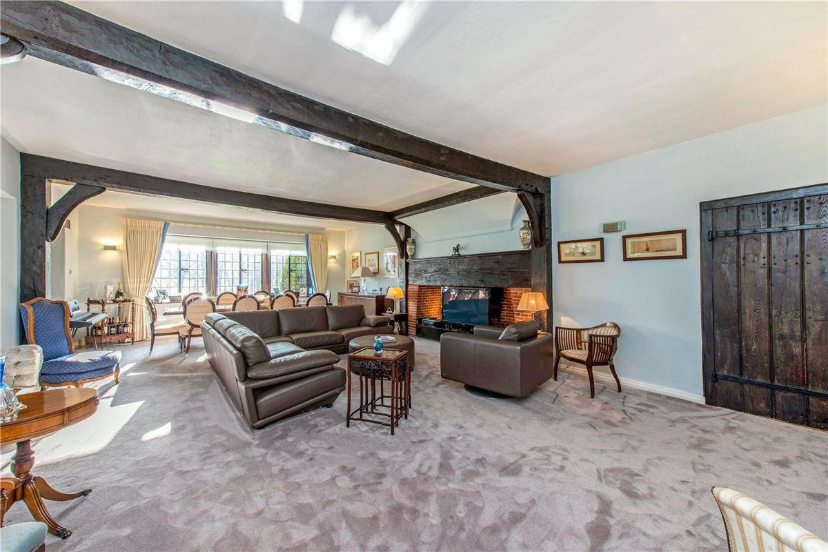 Luxury properties Fulmer Chase