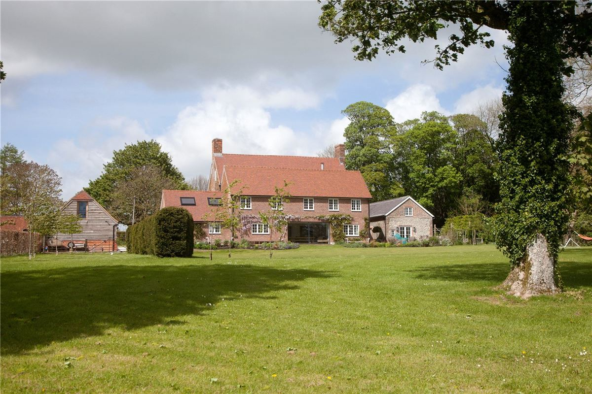 Luxury homes in Jervoise Farm