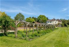 wonderful family home on the River Itchen luxury homes