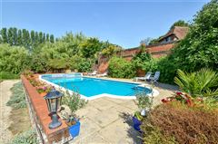 Luxury real estate wonderful family home on the River Itchen