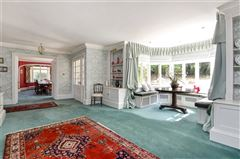 wonderful family home on the River Itchen mansions
