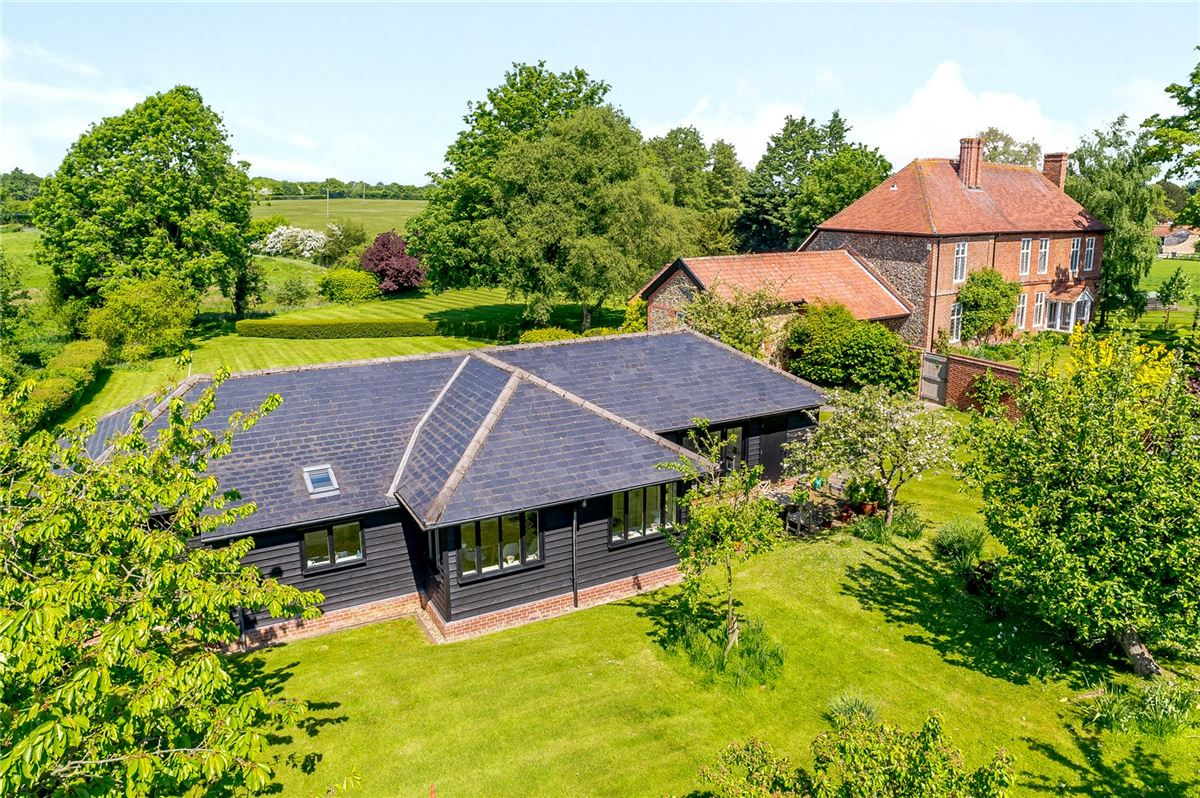 Luxury homes in spacious home boasts stunning gardens and grounds