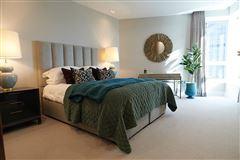 impressive apartment with terrace overlooking Edinburgh skyline luxury properties