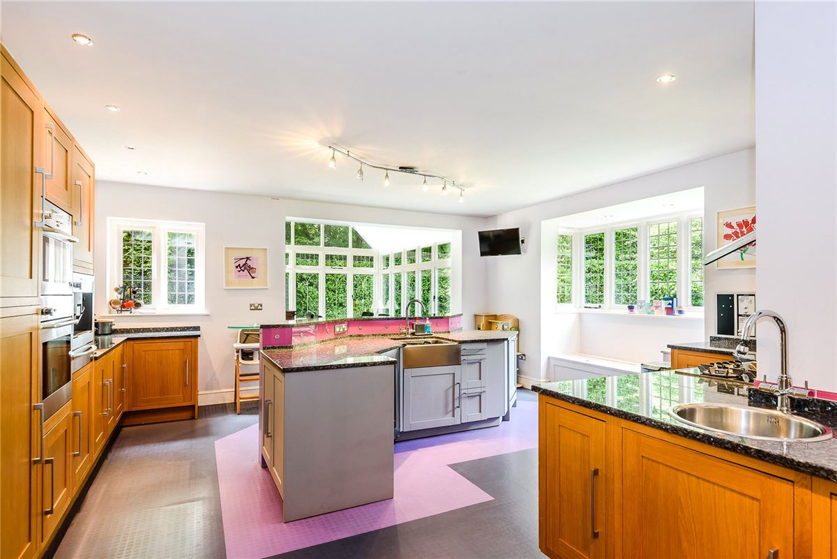 Luxury properties Katrine Lodge