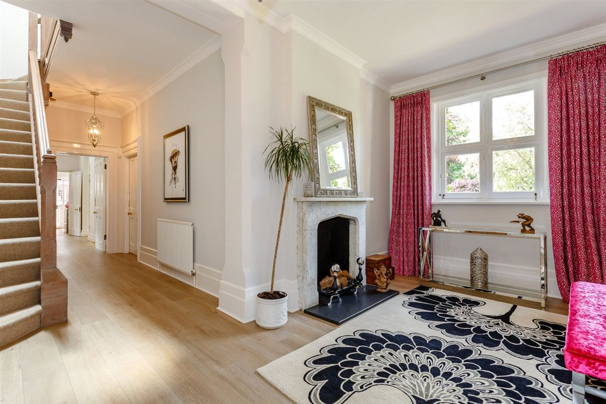 Luxury homes Thundridge House