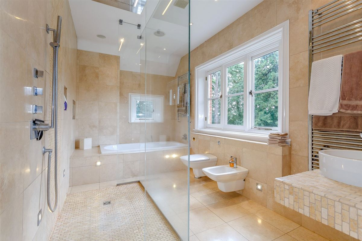Luxury homes in Thundridge House