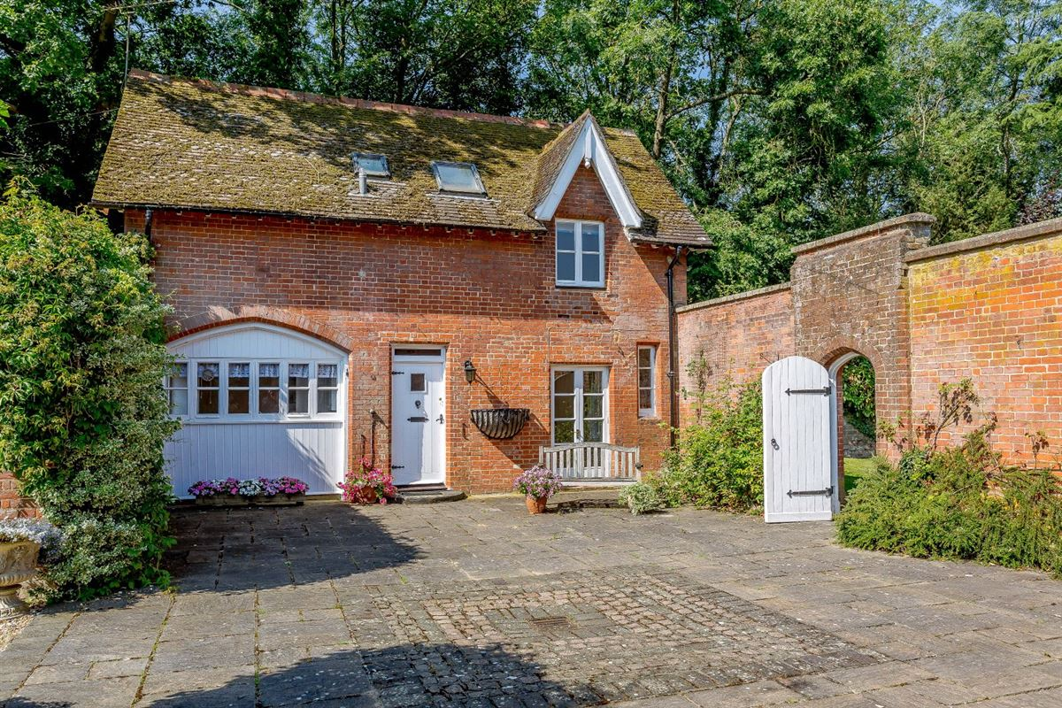 Thundridge House luxury real estate