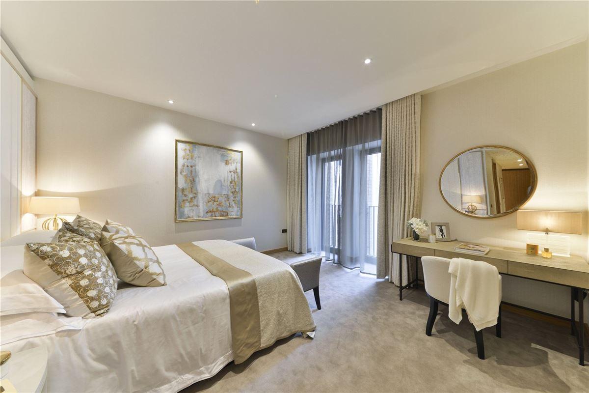 Luxury homes five bedroom apartment overlooking Kensington Palace Gardens