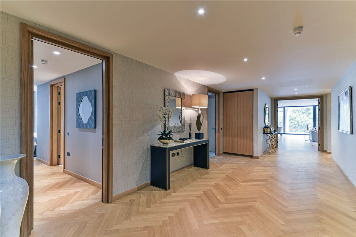 Luxury real estate five bedroom apartment overlooking Kensington Palace Gardens