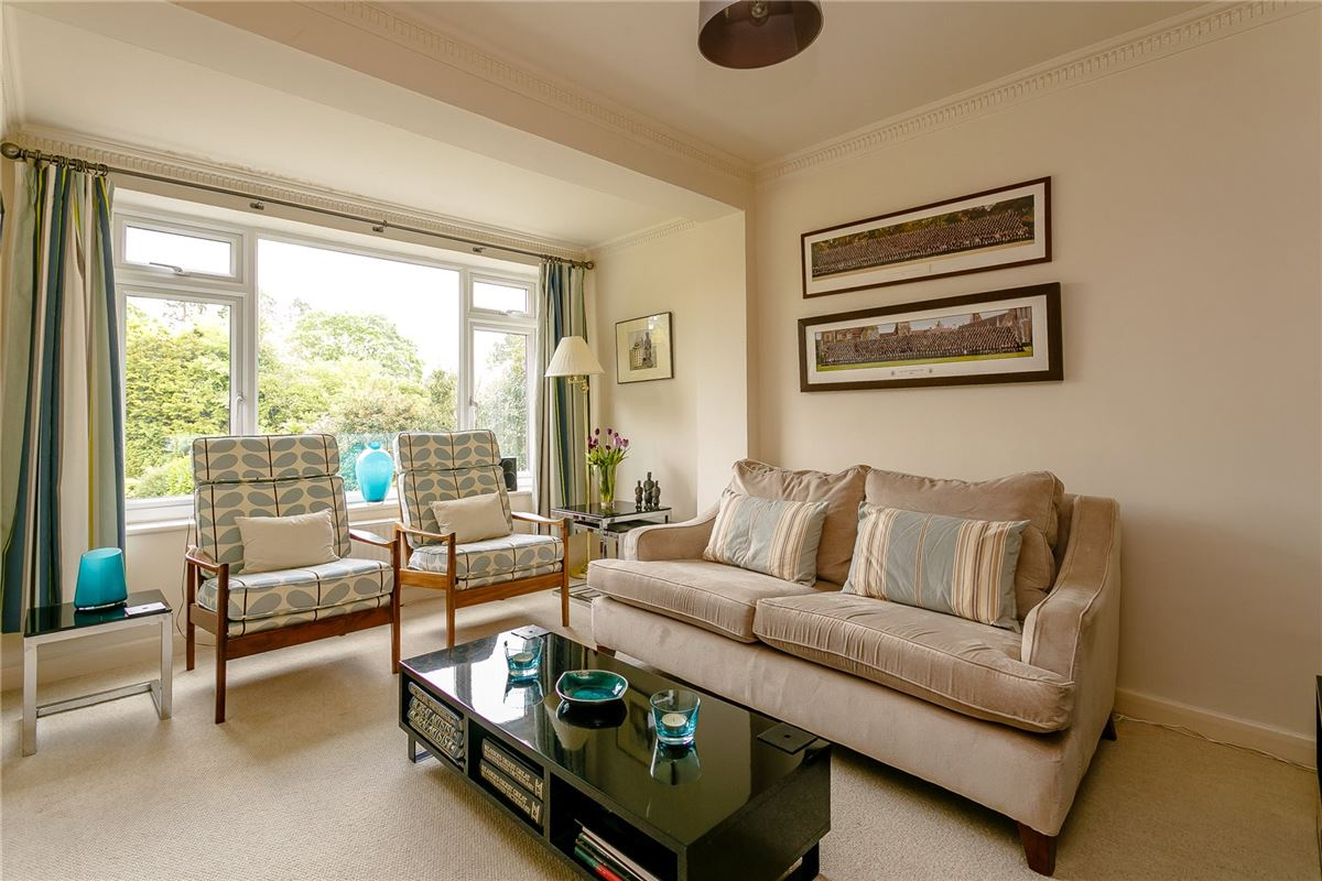 Luxury homes substantial East Horsley home