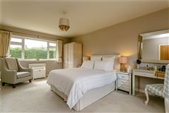 Luxury properties substantial East Horsley home