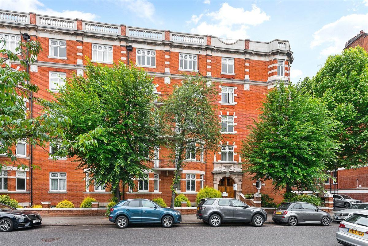 refurbished top floor apartment luxury properties