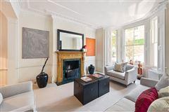 Mansions in impressive five bedroom home