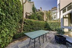 enviable position in Grosvenor Crescent Mews luxury homes