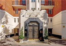 Luxury properties impressive penthouse apartment