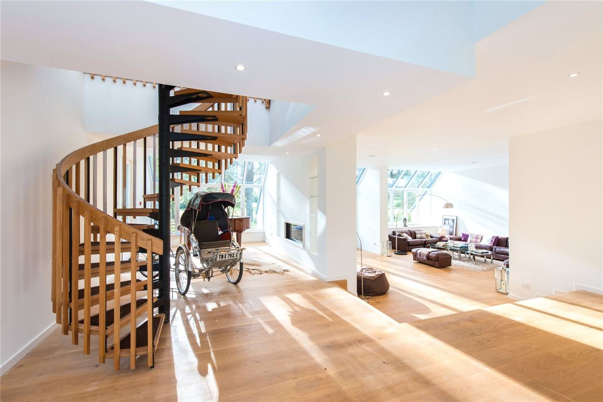 an exceptional house in balmoral court luxury homes