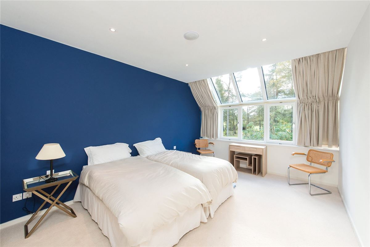 an exceptional house in balmoral court luxury properties