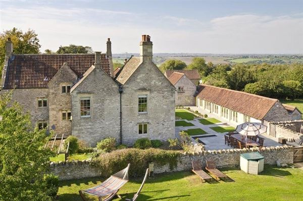 18th century Cotswold farmhouse  mansions
