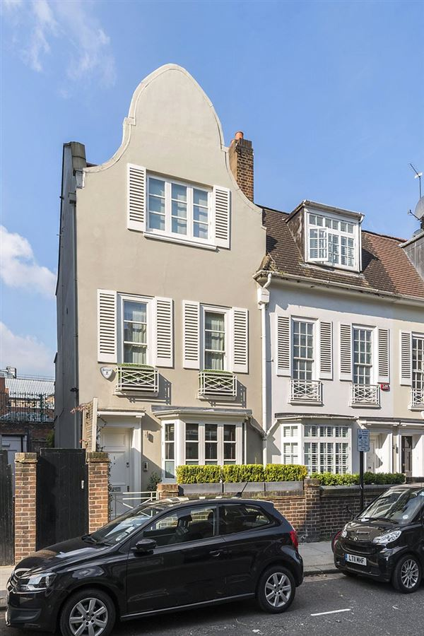 beautiful home in the heart of Chelsea luxury homes