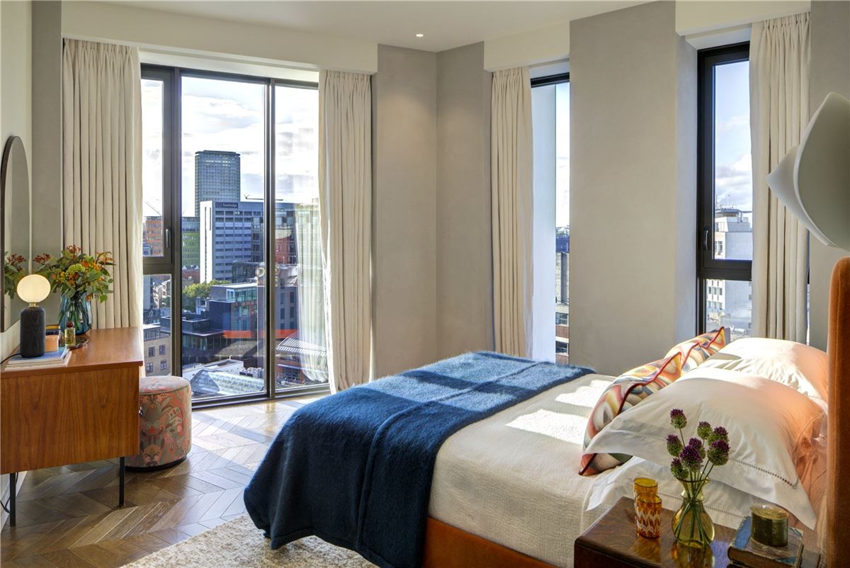 Luxury real estate Covent Garden apartment with spectacular views
