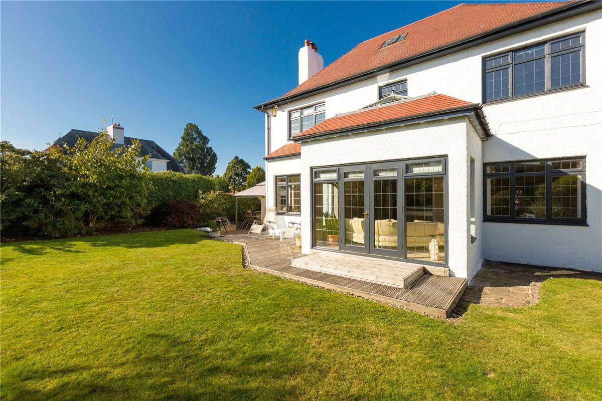 Luxury homes an enchanting property in the heart of Ravelston