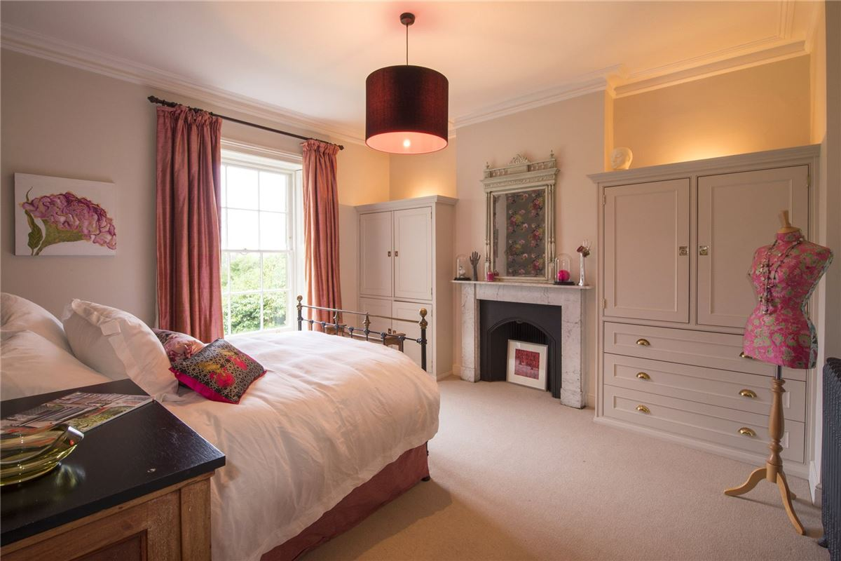 Luxury properties Cotswold Rectory in a beautiful setting