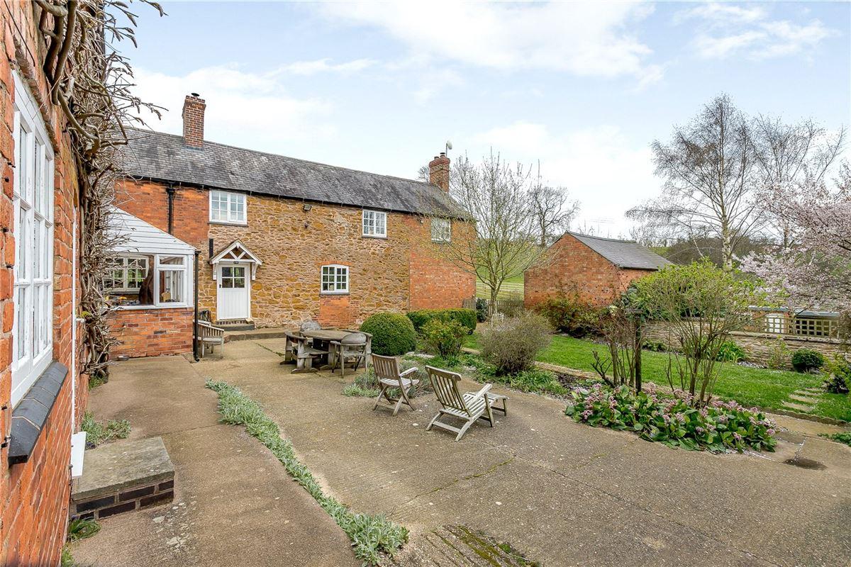 Coplow Lodge Farmhouse  luxury properties