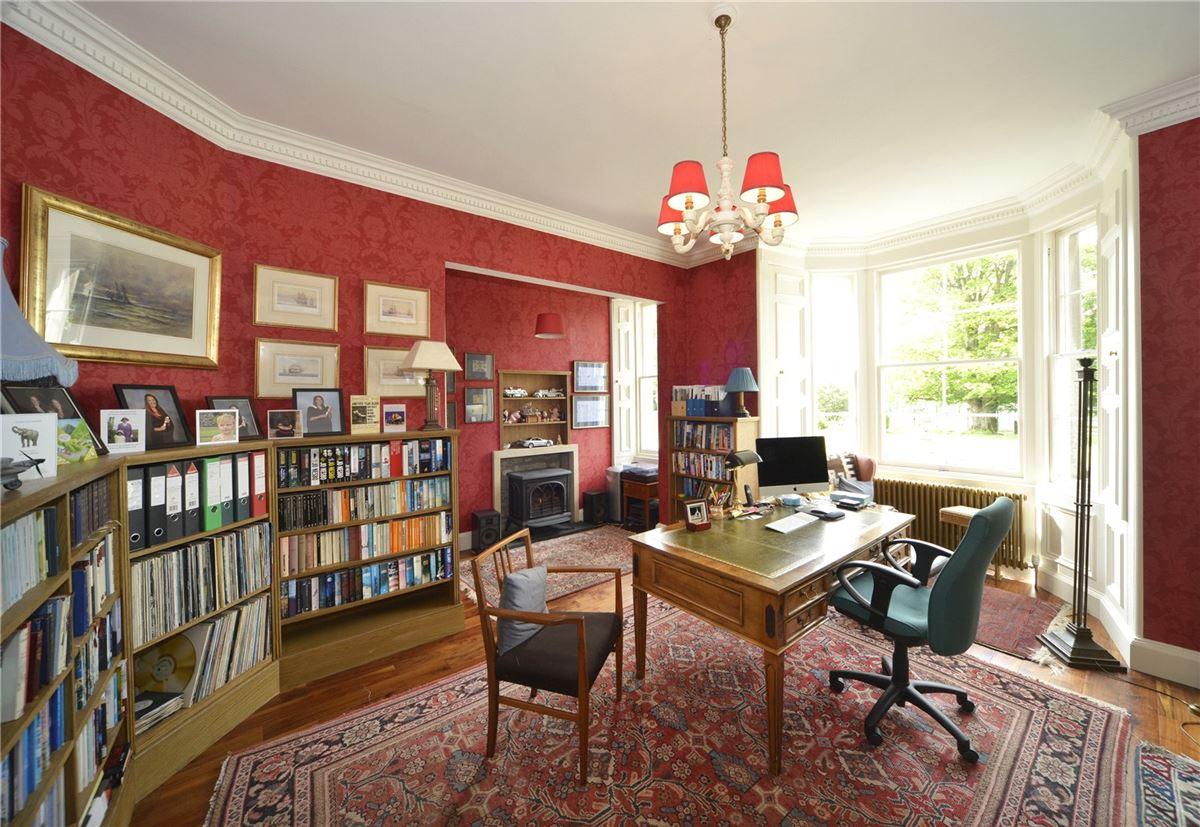 Luxury properties Ormiston House