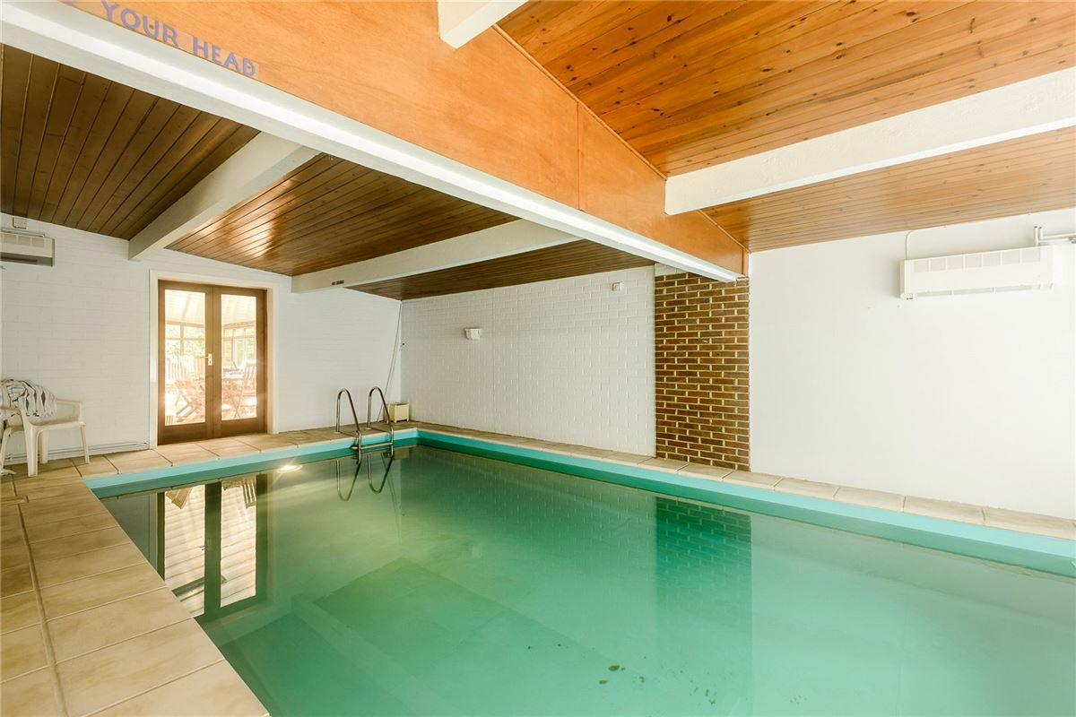 Luxury homes in peaceful woodland setting in beaulieu