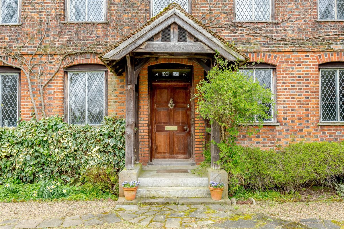 William and Mary Grade II Listed detached residence luxury properties