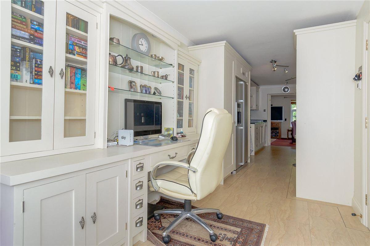 splendid home with flexible accommodation luxury properties