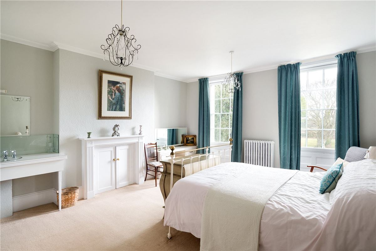 classic Georgian with flexible accommodation luxury properties