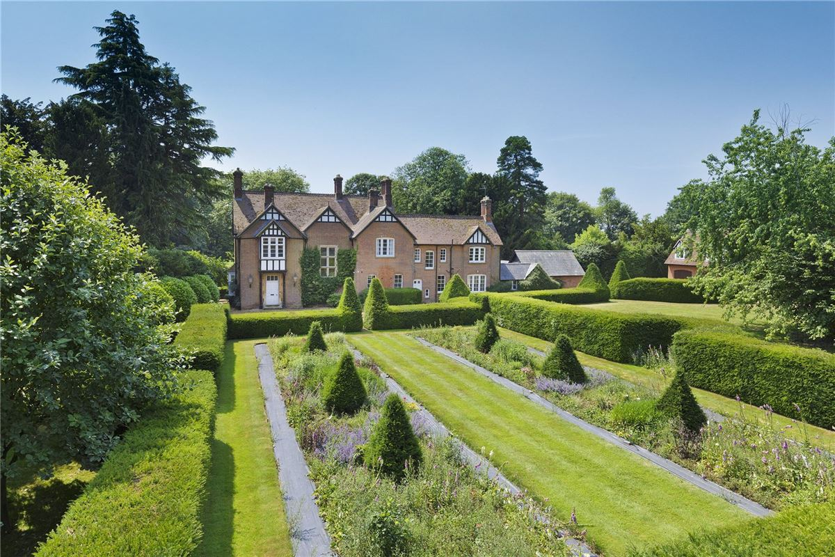 Luxury homes exceptional Victorian vicarage