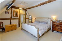 Cam Green Cottage luxury properties