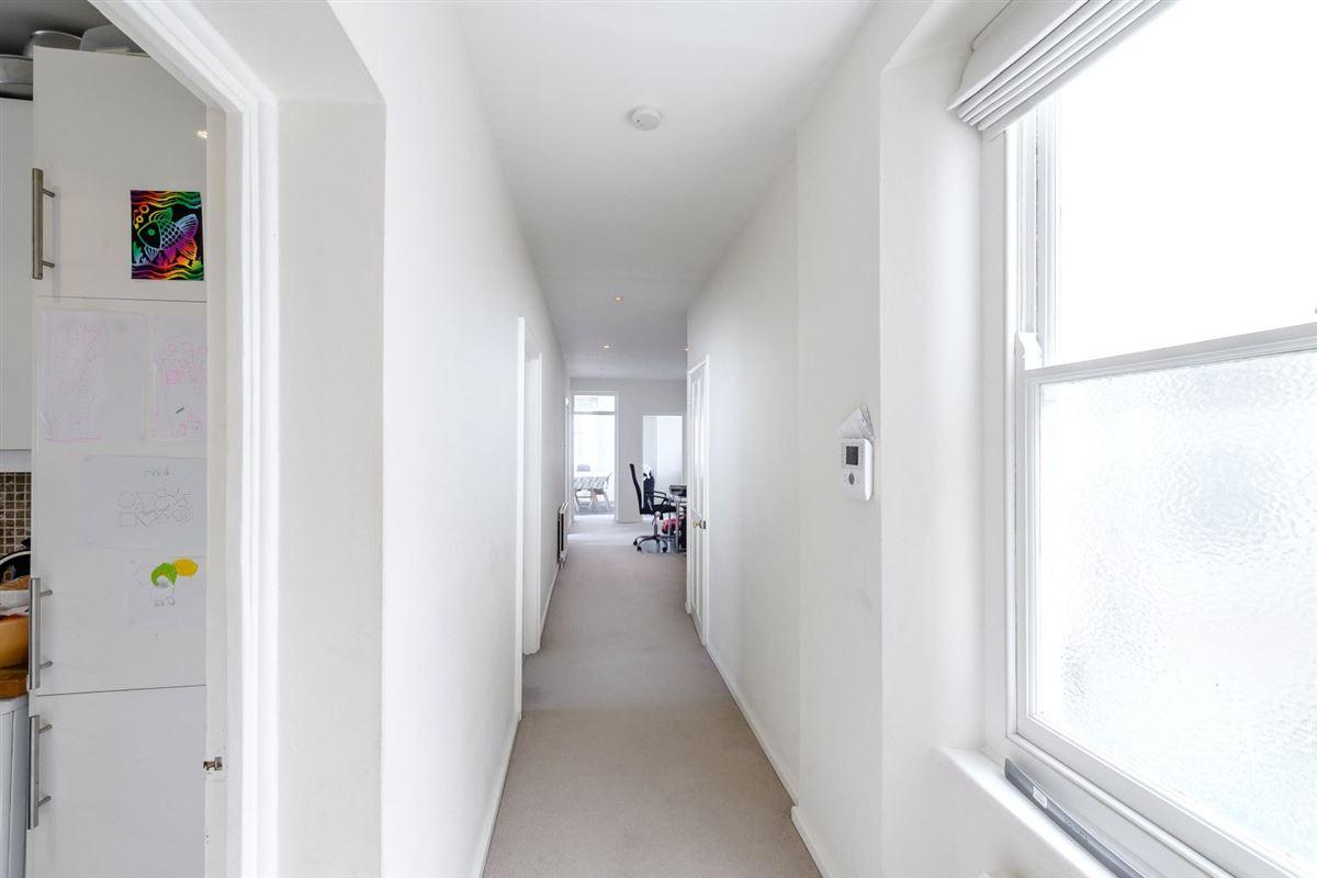bright and impressive top floor apartment luxury properties