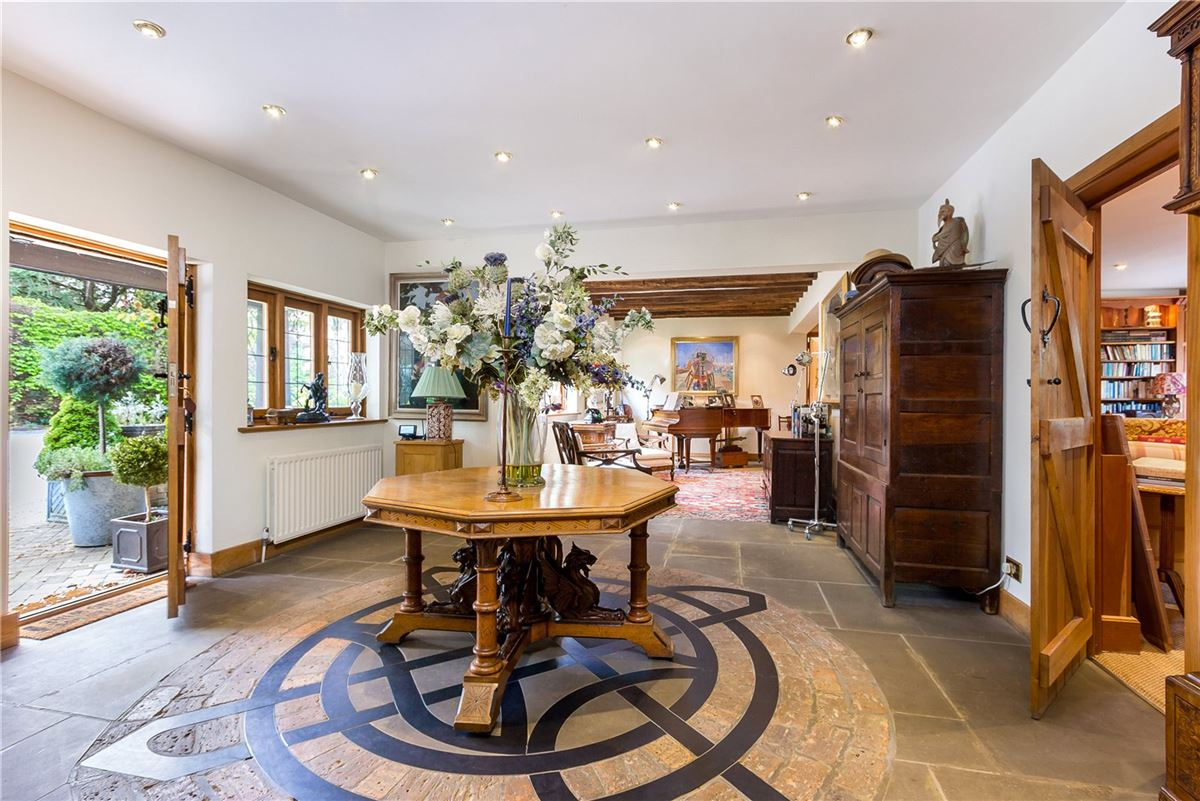 Hedgecourt House luxury homes