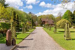 Hedgecourt House luxury real estate