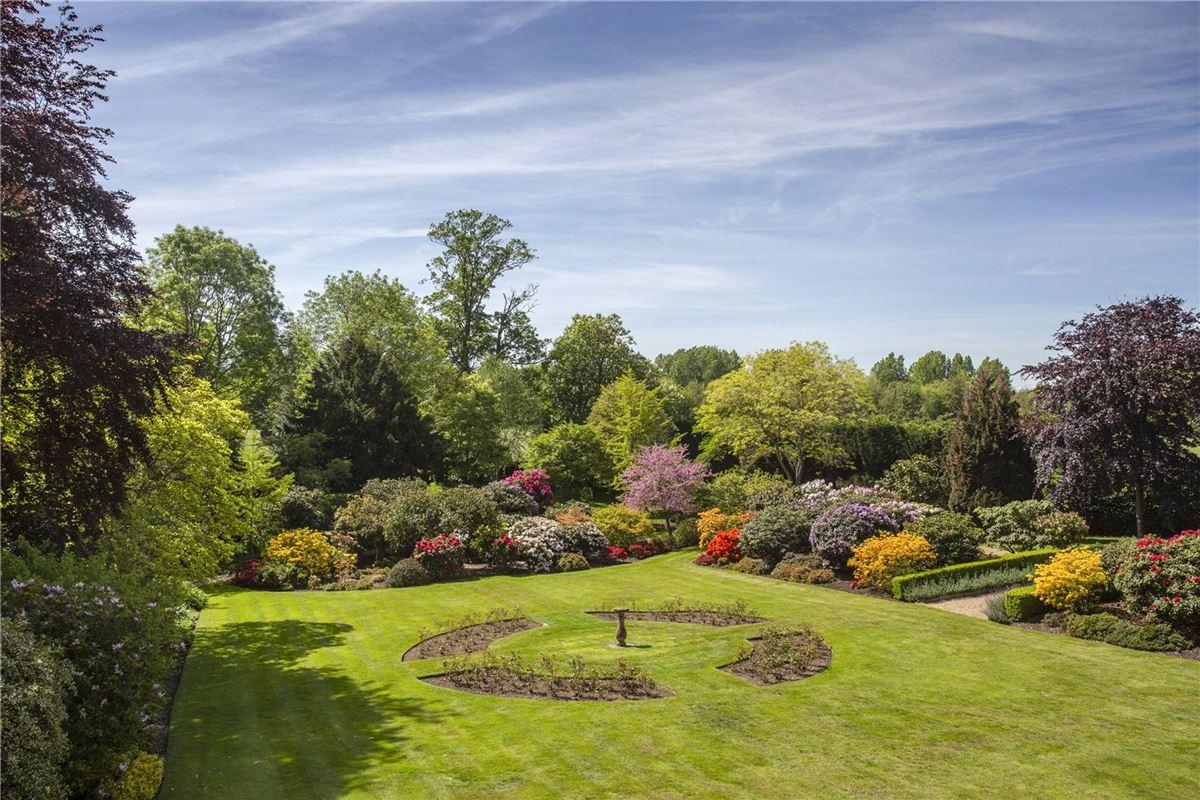 Denham Mount luxury properties