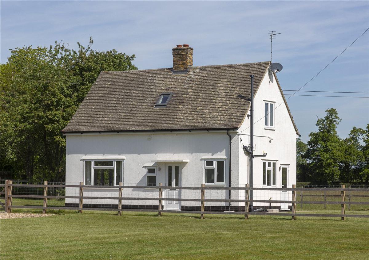 Mansions in Denham Mount