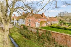 Luxury homes in Grade II listed village house dating back to the 16th century
