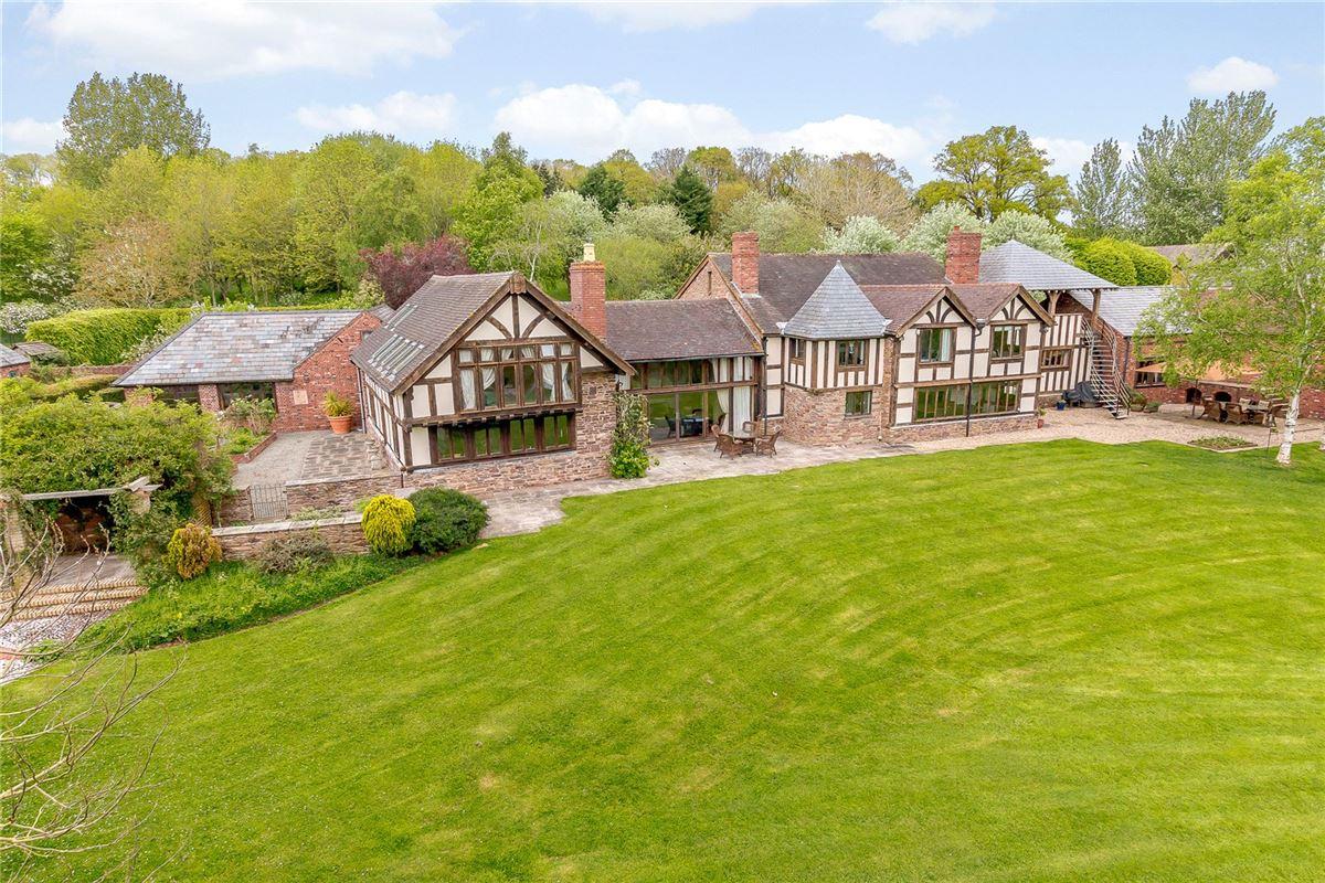 Luxury homes impressive small country estate