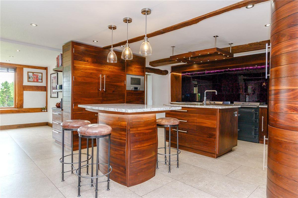 Luxury properties impressive small country estate