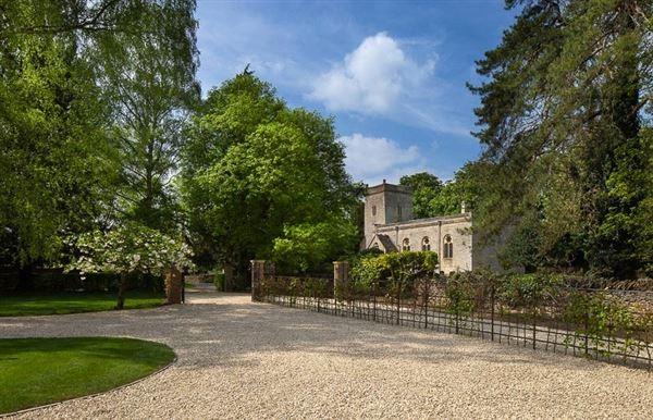 Luxury properties Ladygrass
