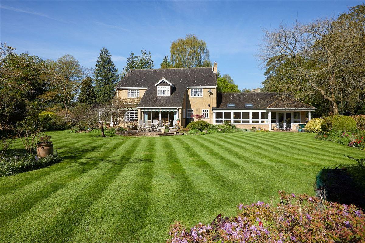 Ladygrass luxury properties
