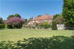 Luxury properties Updown Farmhouse