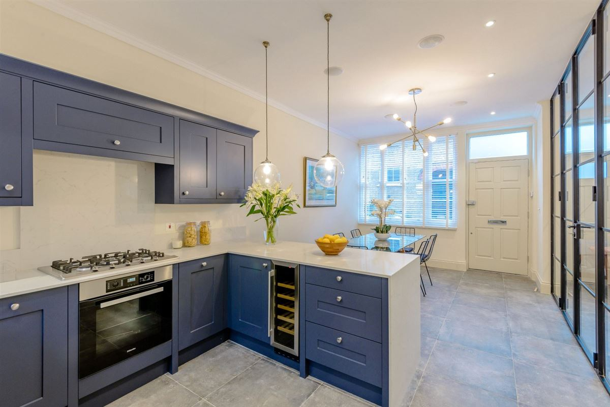 Luxury homes Meticulously refurbished and remodelled home
