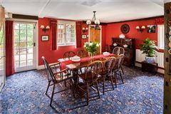 Ewshot Cottage luxury real estate