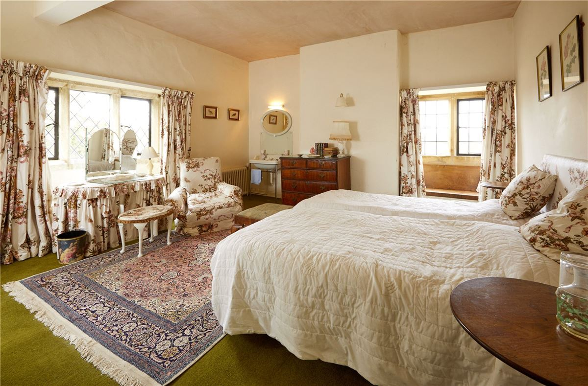Luxury properties charming property in a wonderful cotswold setting