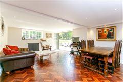 Common Cottage luxury homes