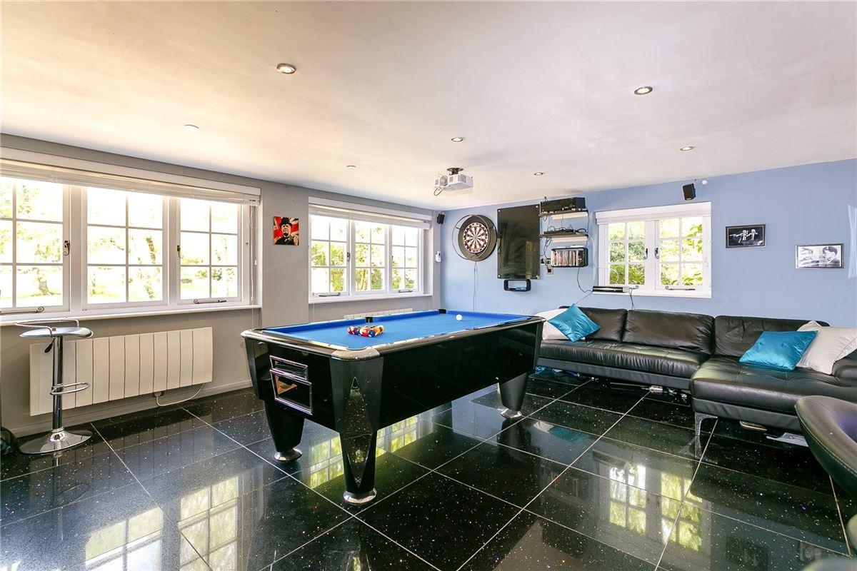 Luxury properties Common Cottage